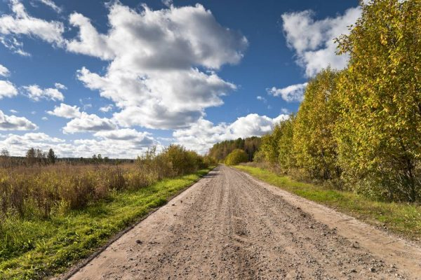What's the Difference Between Sealed and Unsealed Roads?